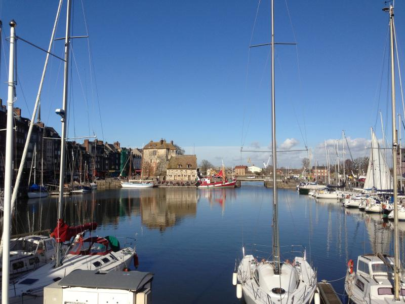 Apartment in the historical center of Honfleur at 2 minutes walk from the Vieux Bassin!