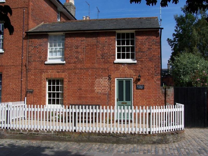 St Mary's Cottage set in the heart of histioric Hadleigh in Suffolk