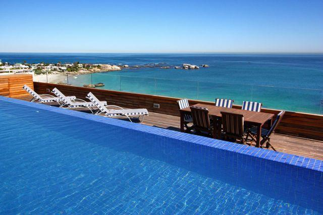 Ocean Facing Clifton Apartment - Seaside Penthouse, holiday rental in Cape Town