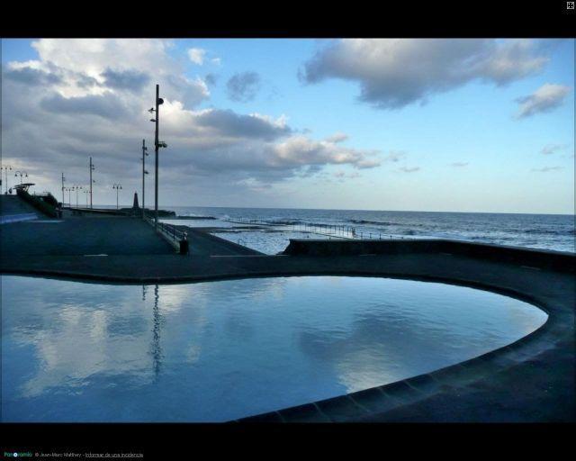 Vista al exterior piscina infantil