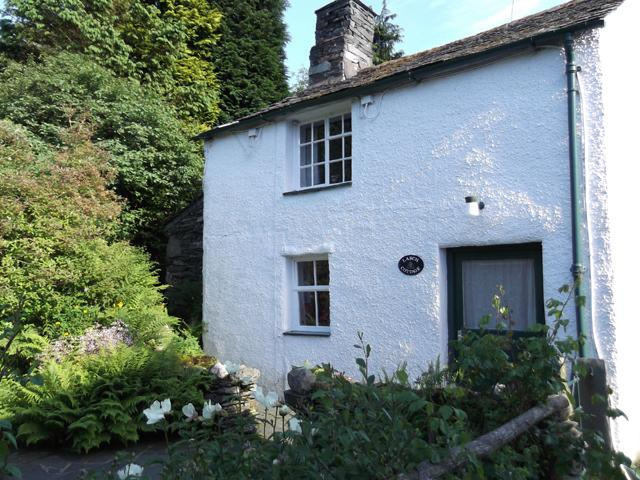 Larch Cottage in Rosthwaite, Borrowdale - sleeps 4 in 3 bedrooms
