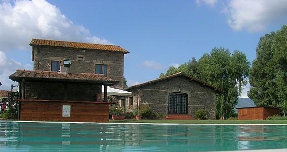 Casalaccio Villa Sleeps 2 with Pool and WiFi - 5229098, vacation rental in Cisterna di Latina