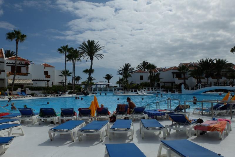 BEST FLAT EVER IN LAS AMÉRICAS!! PARQUE SANTIAGO 3, holiday rental in Playa de las Americas