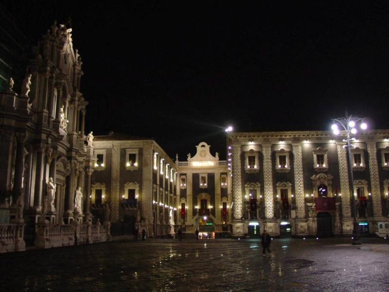 Piazza Duomo veduta serale