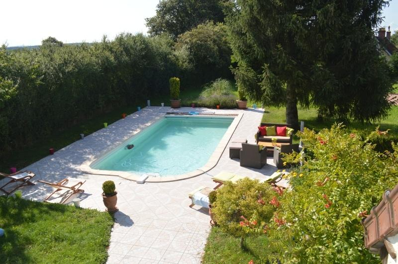 Rental gites of France with swimming pool private and heated to Decize between Loire and Morvan
