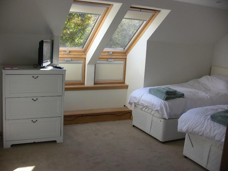Double bed/or single beds!