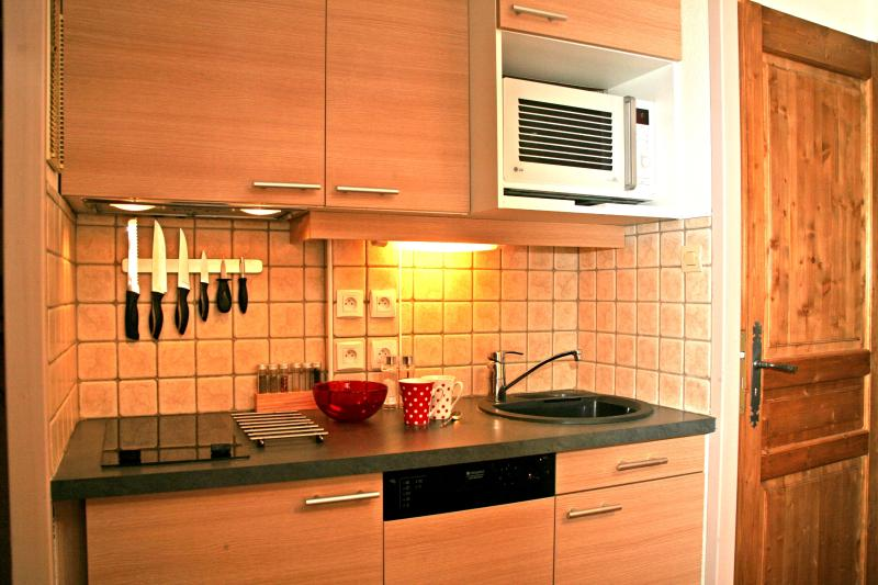 A brand new, fully equipped kitchen