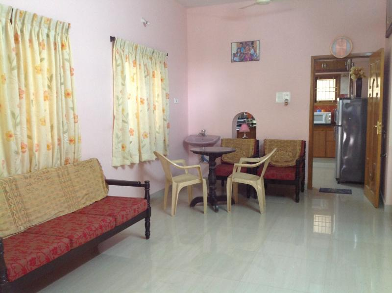 Spacious Hall with Dining. WiFi, Fix Line, Cable TV with DTH, HD TV. Secure Indoor Car Park