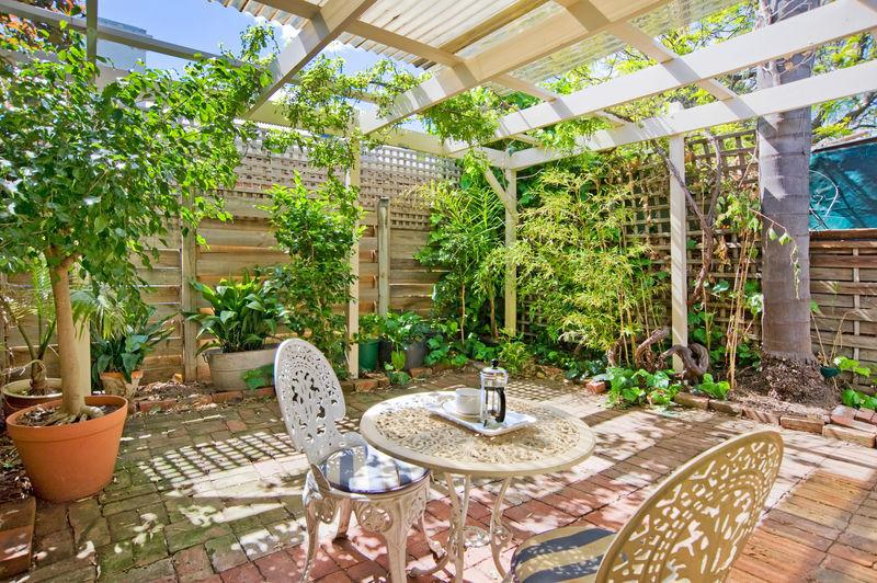 Fully enclosed courtyard for privacy