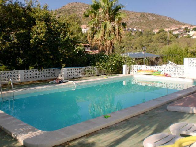 Gran piscina para los amantes de los juegos en el agua o un poco de natación
