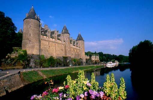 Chateau & Nantes-Brest canal - Josselin