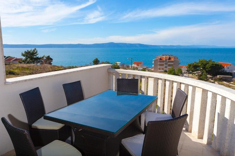 Onze prachtige panorama zeezicht (Bekijk op de eilanden van Brac en Hvar)