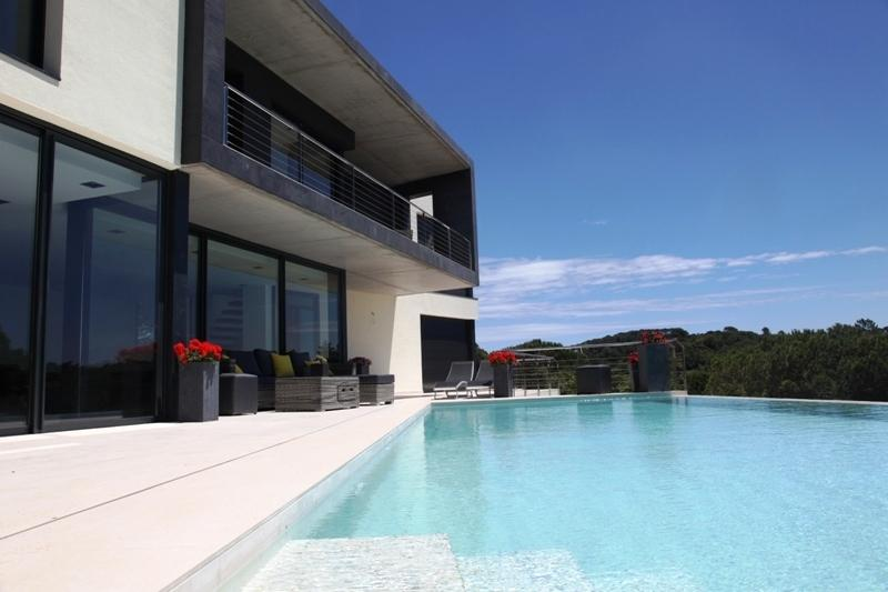 Villa La Riviera - Modern villa with infinity swimming pool