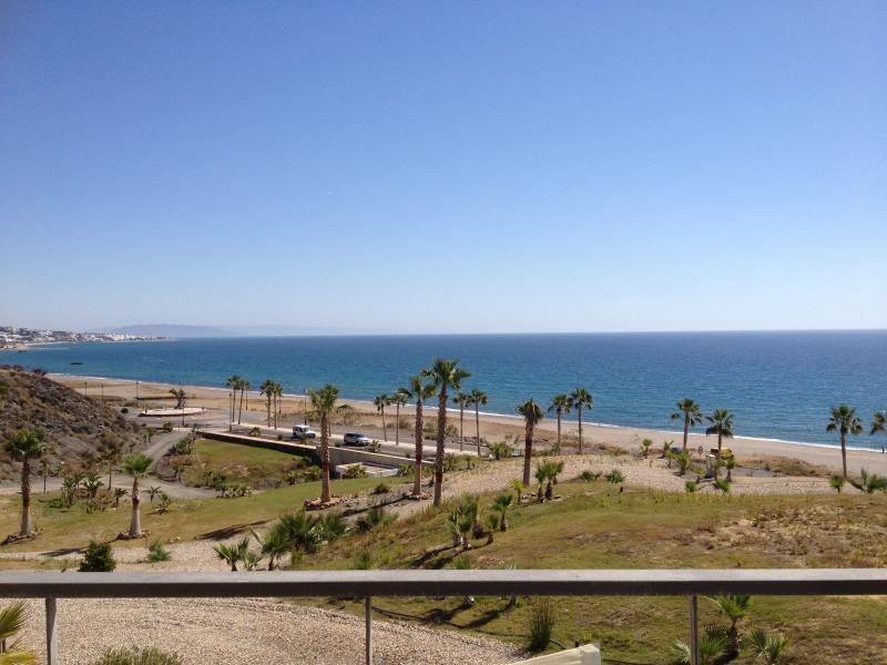 Vista de la playa desde el apartamento