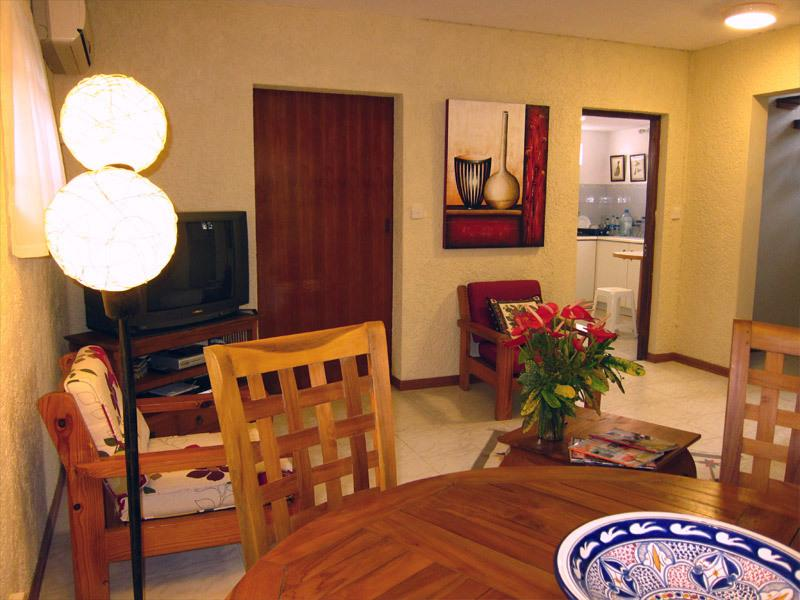 Living/Dining including air cond, free WIFI, satellite TV and phone (free local calls)