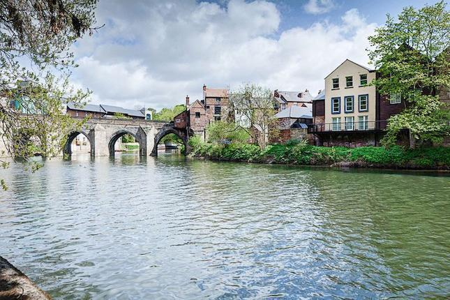 Old Elvet Bridge leads to city centre