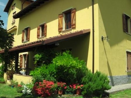 La Coccolina B&B , Elizabeth room, vakantiewoning in Ponzone