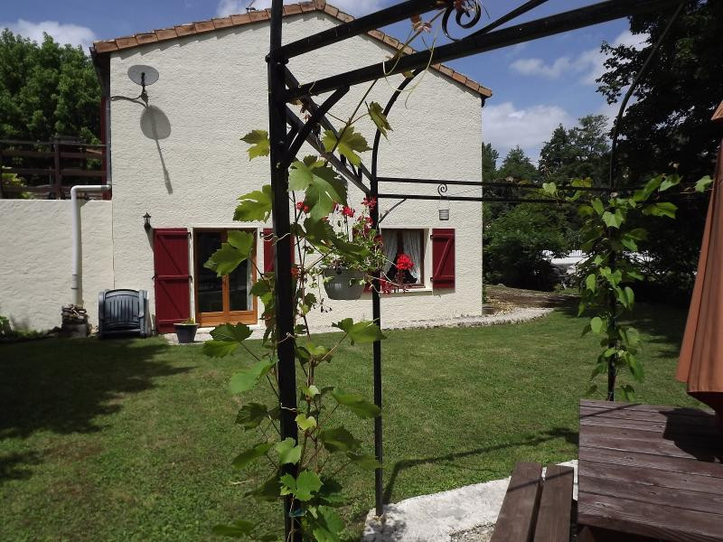 Garden and front of gite