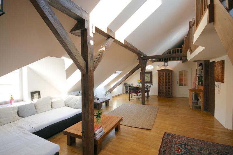 Sala de las escaleras de altillo