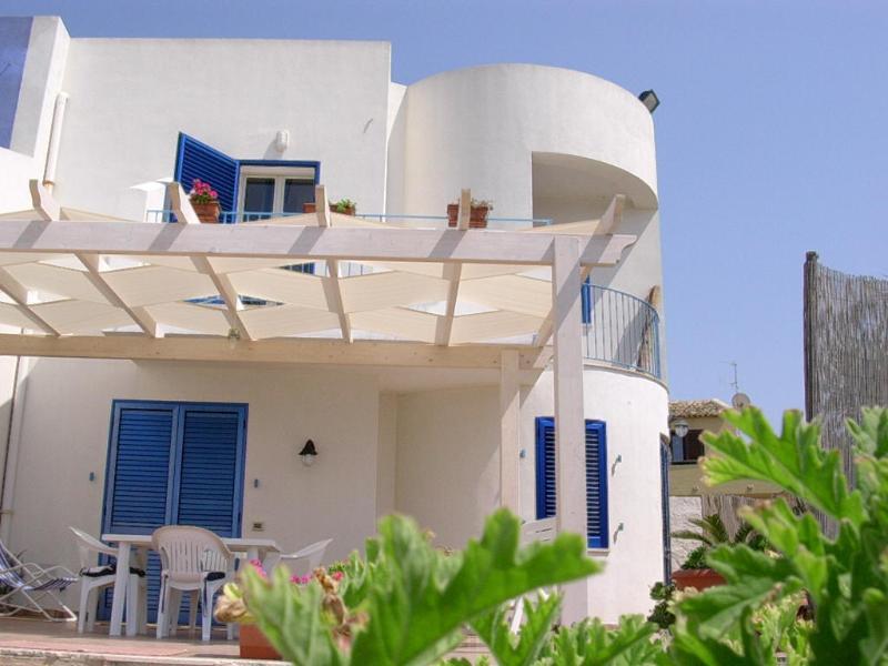 CASAESCONDIDO ON THE BEACH, vacation rental in Petrosino