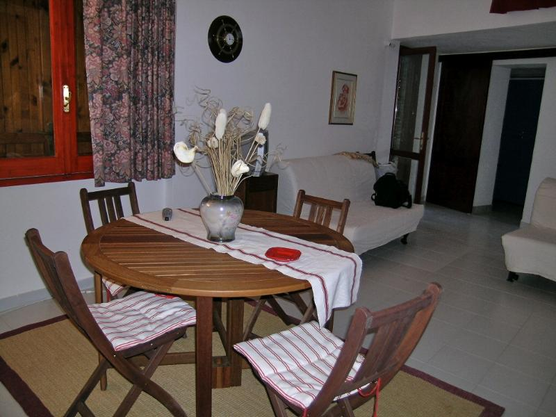table and chairs in the living room