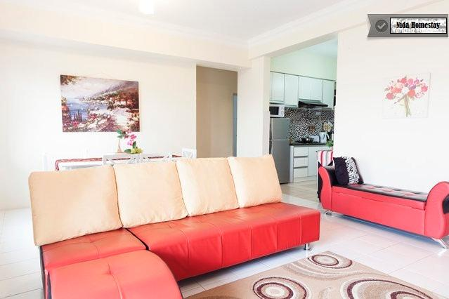 Spacious Living & Dining Hall with modern furniture.  Aircond, ceiling fan, LCD TV/Astro