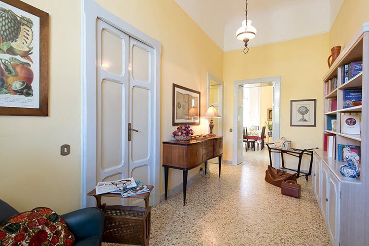 Welkom bij Casa Greco: entree hal, originele Vintage Atmoshere...