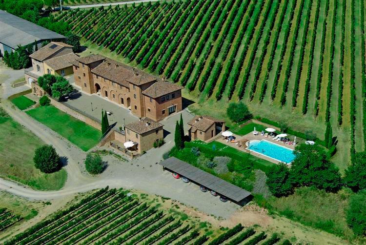 Agriturismo Terrarossa 2 pax, holiday rental in Abbadia di Montepulciano