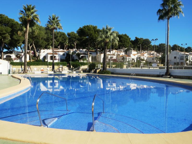 Large communal swimming pool with separate childrens pool!
