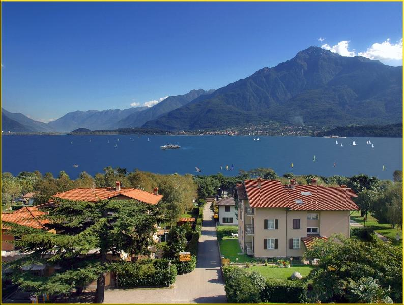 Residence Geranio - view from above - the lake como and mountain Legnone