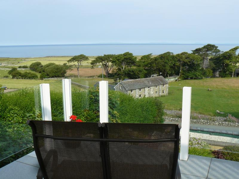 Unrestricted seaviews over Cardigan Bay