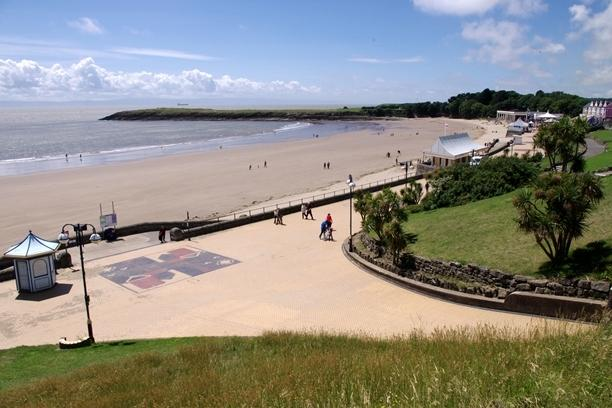 Barry Island Beach - Home to Gavin & Stacy (& Nessa!) 10km from Cardiff