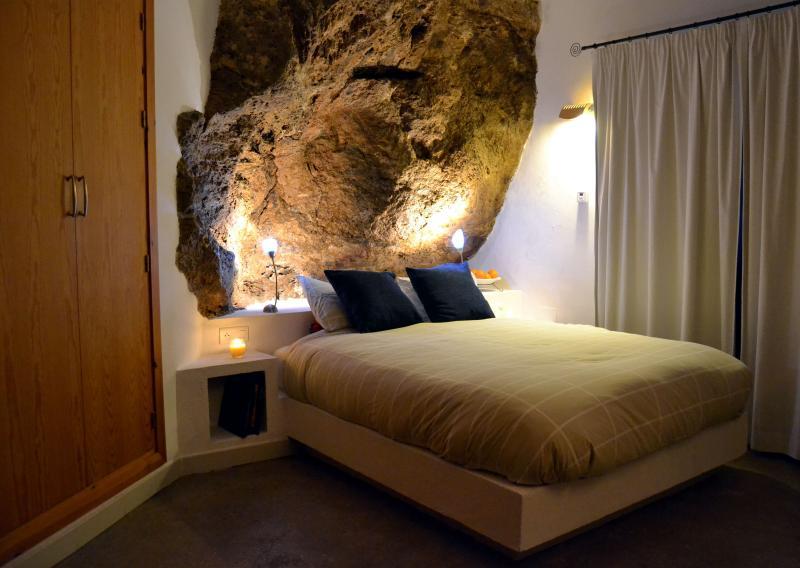 Room La Roca (150x190cm)