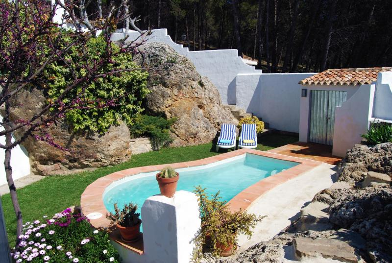 Welcome to Villa La Roca. The best place to organize your holidays in Andalusia.