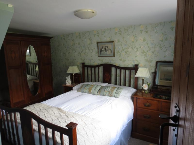 Romantic Edwardian bedroom
