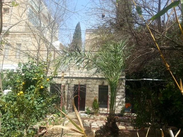 Charming garden apt in TALBIYA, holiday rental in Beersheba