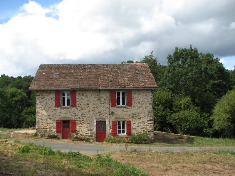 Dordogne Limousin Gite, vacation rental in Pageas