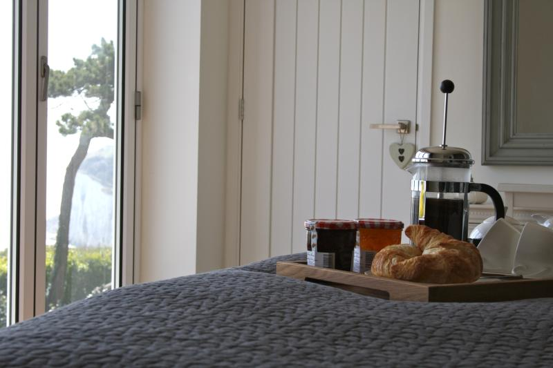 Lazy mornings watching the boats go by