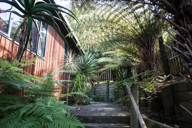 Bellbird Apartment, holiday rental in Auckland