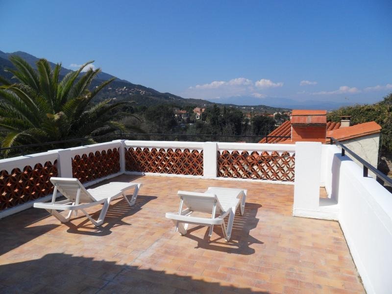 Charming house with 2 terraces and fantastic views, holiday rental in Villelongue-dels-Monts