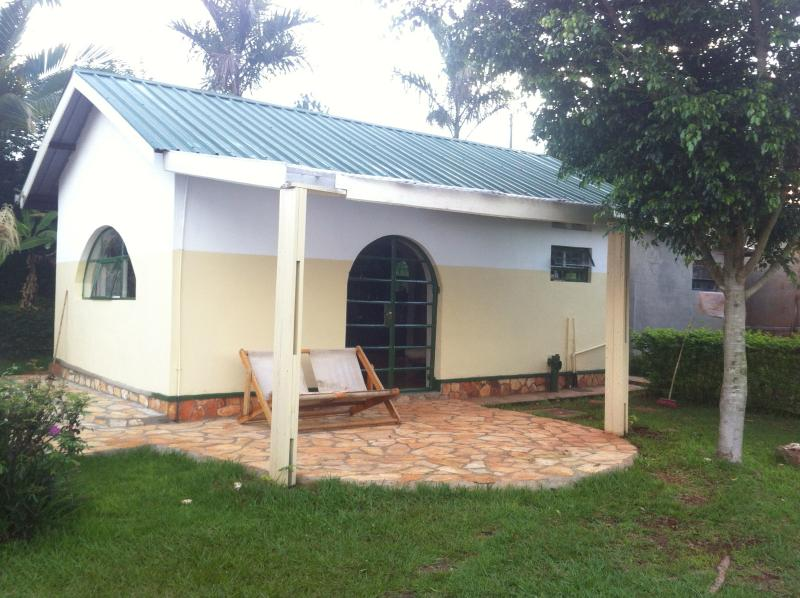 newly build cosy room with use of swimming pool