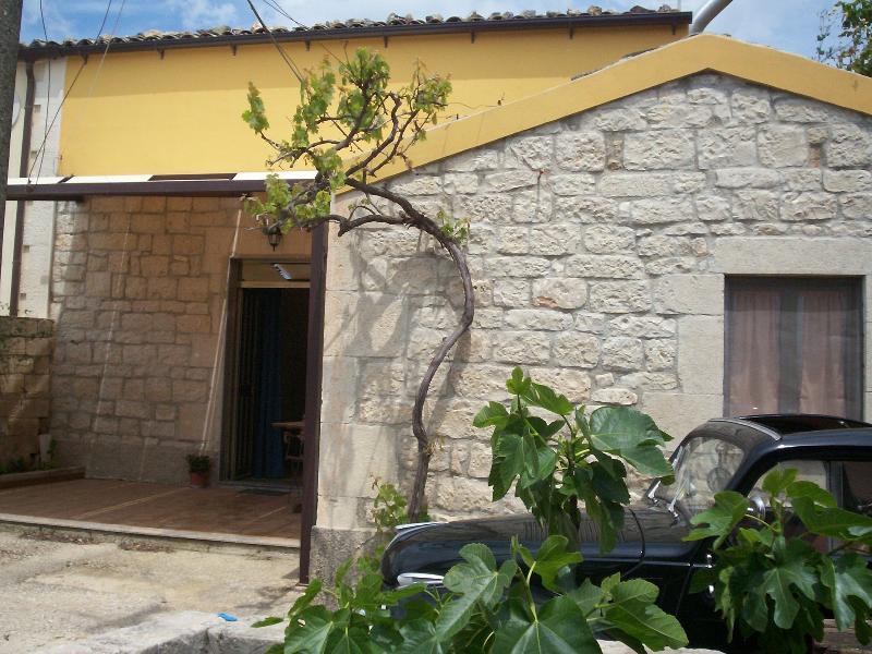 casa dei nonni, alquiler vacacional en Case Giurdanella