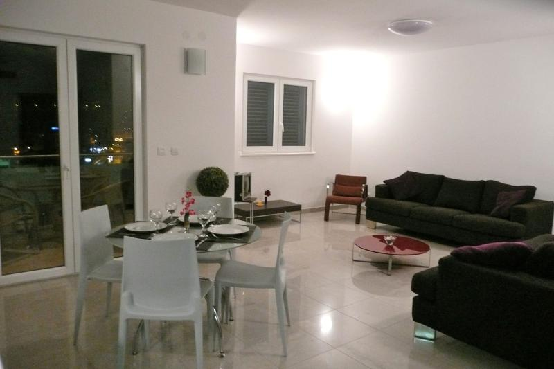 Main lounge- total of 75 sq. metres.2 bedrooms and sofa_bed.