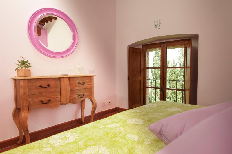 Sage Doppelzimmer mit Bad, Wi-Fi, TV auf Anfrage, Klimaanlage.