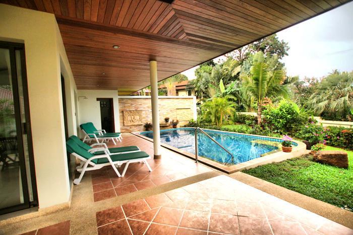 Pool Lai Thai Villa 2