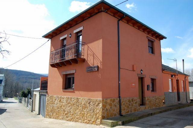 Acogedora  Casa rural Bierzo de  fácil acceso, vacation rental in San Justo de Cabanillas