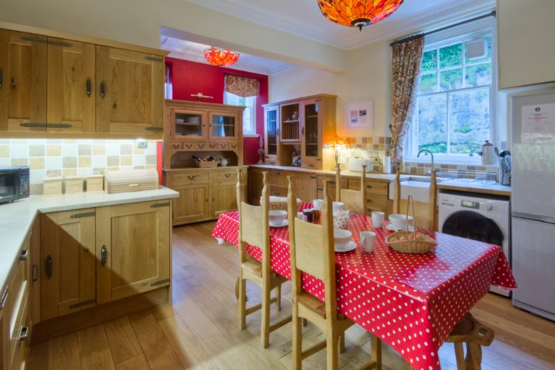 A fully equipped kitchen to manage a large gathering