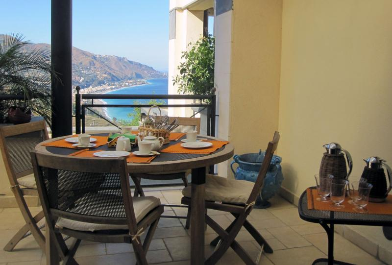and have breakfast or romantic dinners on the terrace
