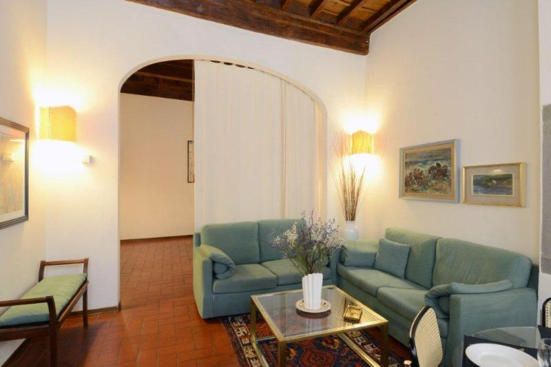 near Ponte Vecchio Apartment, vacation rental in Florence