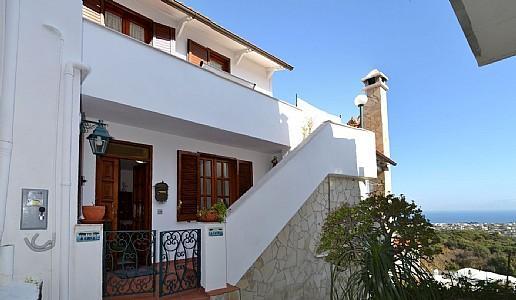 Barano d'Ischia Villa Sleeps 5 with Air Con and WiFi - 5228943, holiday rental in Cretaio